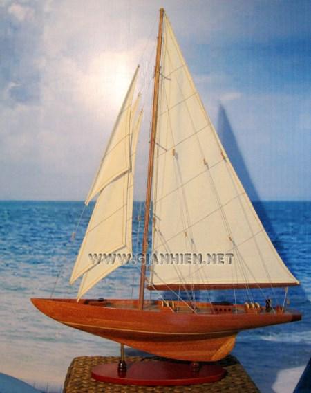Shamrock Boat Model