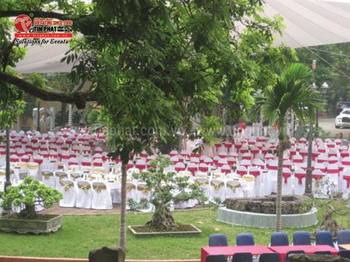 Organizing wedding event