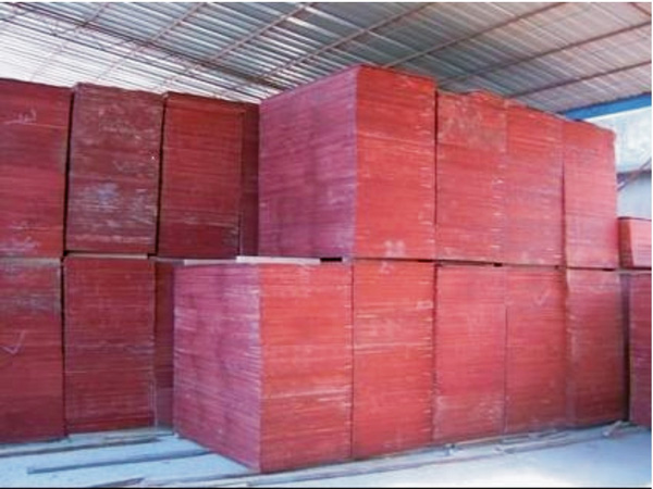 Red formwork plywood